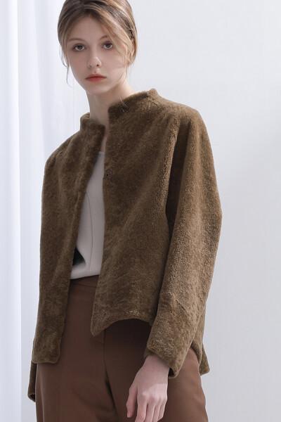 [여성] 양가죽 포켓 노카라 코트