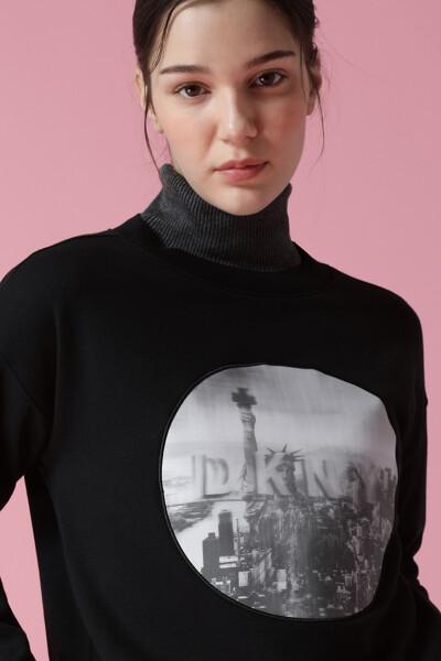 여성 면혼방 로고 긴소매 스웻 티셔츠