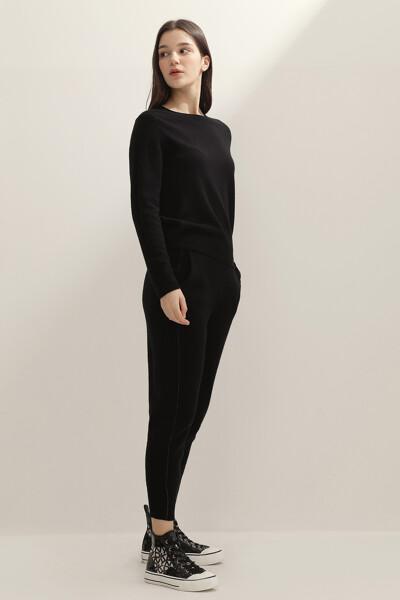 여성 캐시미어혼방 레귤러핏 크루넥 스웨터