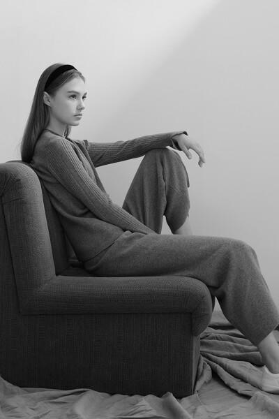 [여성] 캐시미어혼방 슬림핏 크루넥 탑