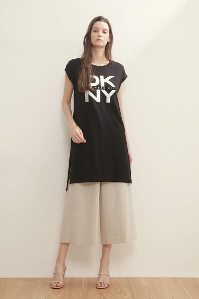 메탈릭 엠보 로고 티셔츠