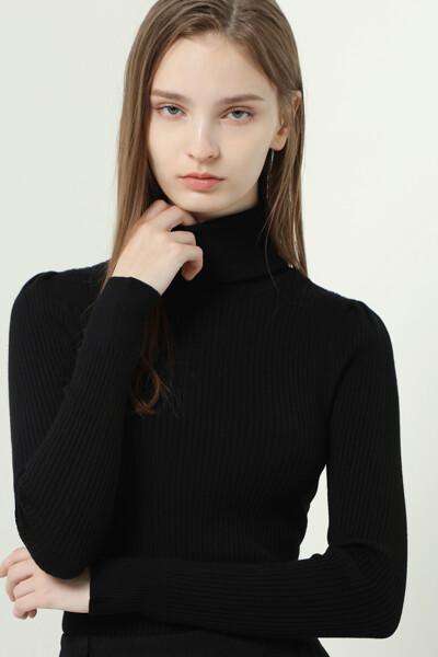 파운데이션 솔리드 립 터틀넥 퍼프 니트