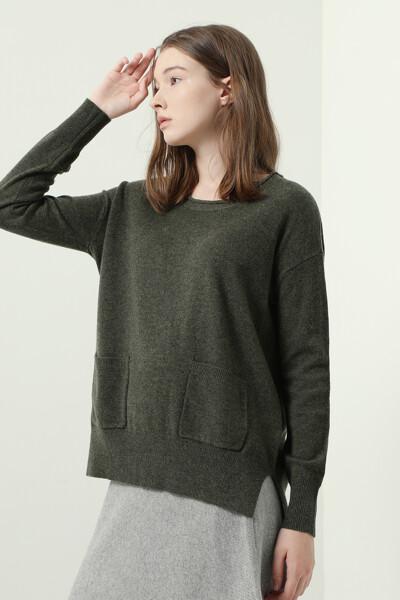 울 블랜드 스쿱넥 스웨터