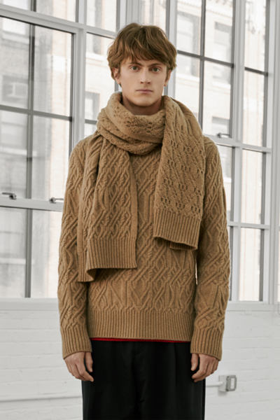 [남성] 울혼방 케이블 목넥 스웨터