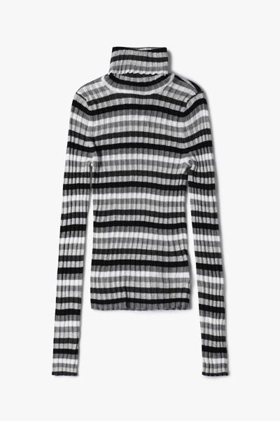 [여성] 바리게이트 터틀넥 스웨터