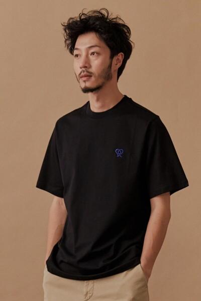 [RAUM MEN] 블랙 로고 자수 반팔 티셔츠 (ROTS0F672BK)