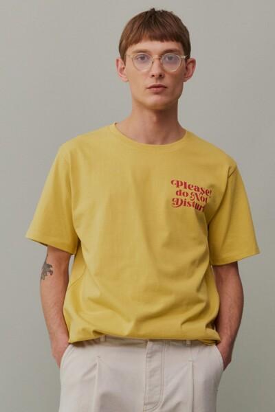 [RAUM X HOTEL CERRITOS] 옐로우 세미오버 레터링 티셔츠 (ROTS1E671Y2)