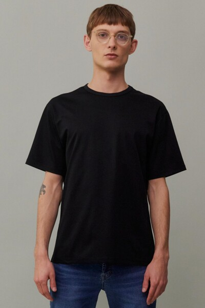 [RAUM MEN] 블랙 단색 면 반팔티셔츠 (ROTS1E672BK)