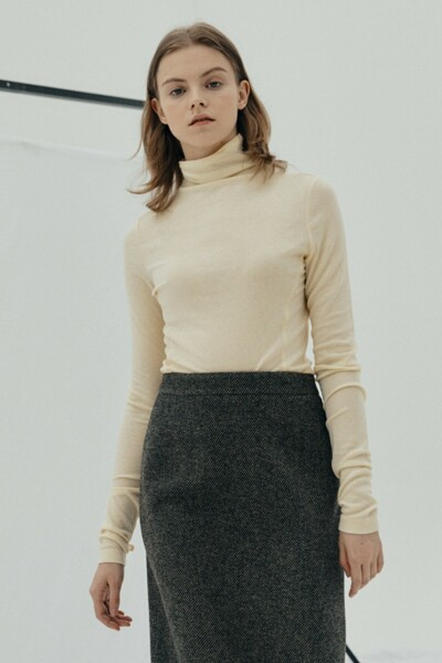 Lining Turtle-neck Top BUTTER YELLOW (JYTS1D900I1)