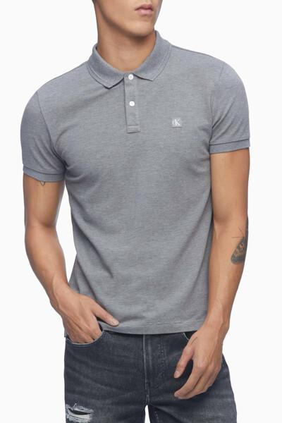 남성 슬림핏 CK 뱃지 폴로 반팔 티셔츠 J318044-P2D J318044P2D