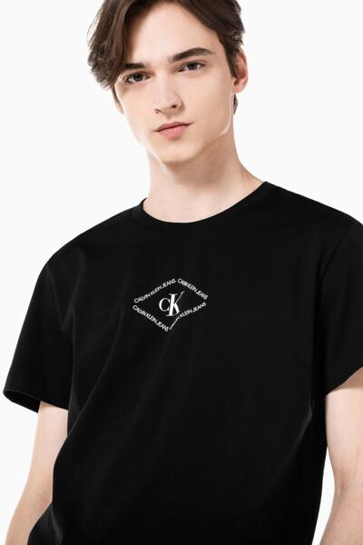 남성 레귤러핏 CK 모노트라이앵글 반팔 티셔츠 J318146-BEH J318146BEH
