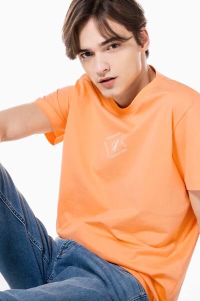 남성 레귤러핏 CK 모노트라이앵글 반팔 티셔츠 J318146-SFX J318146SFX