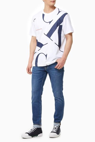 남성 레귤러핏 업스케일 CK 로고 반팔 티셔츠 J317893-YAF J317893YAF