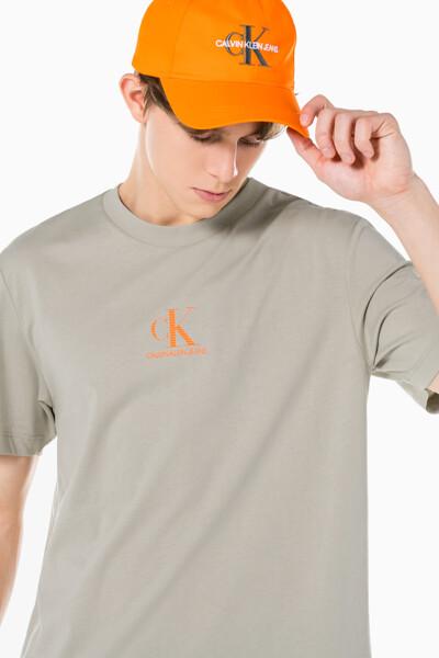 남성 CK 로고 그래픽 릴렉스핏 반팔 티셔츠 J319565-PED J319565PED