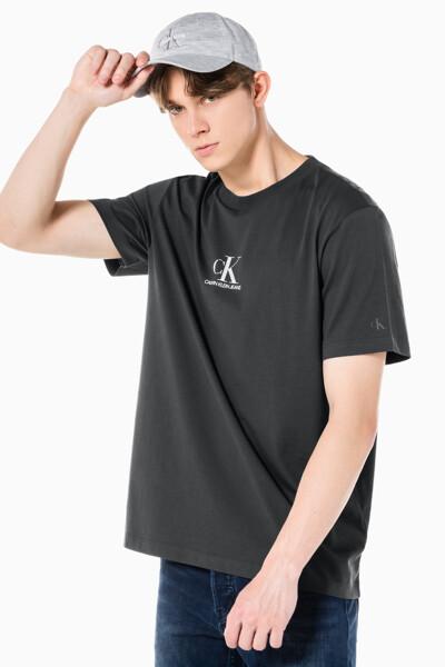 남성 CK 로고 그래픽 릴렉스핏 반팔 티셔츠 J319565-PRE J319565PRE