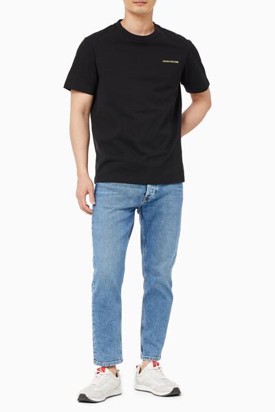 남성 CK 로고 그래픽 릴렉스핏 반팔 티셔츠 J318363-BEH J318363BEH