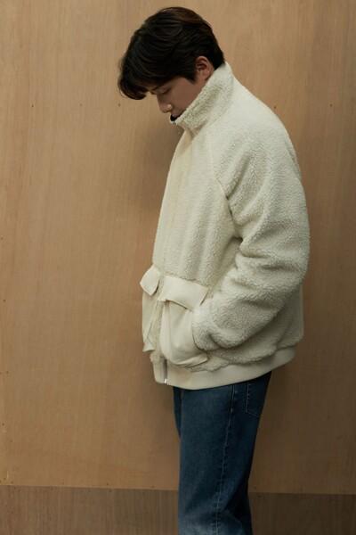 남성 슬림 스트레이트 크롭 핏 다크블루 데님 J320346-1BJ J3203461BJ