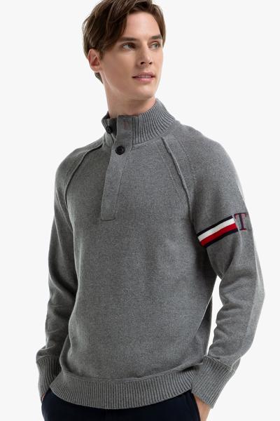 울혼방 로고 스트라이프 모크넥 스웨터