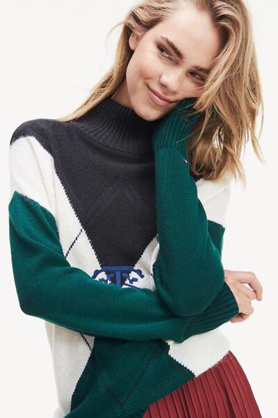 면혼방 컬러블록 모크넥 스웨터