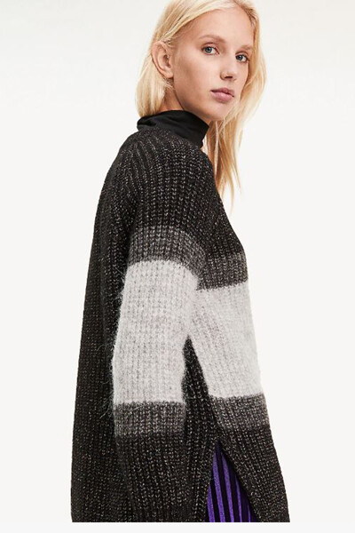 아크릴혼방 컬러블록 크루넥 스웨터