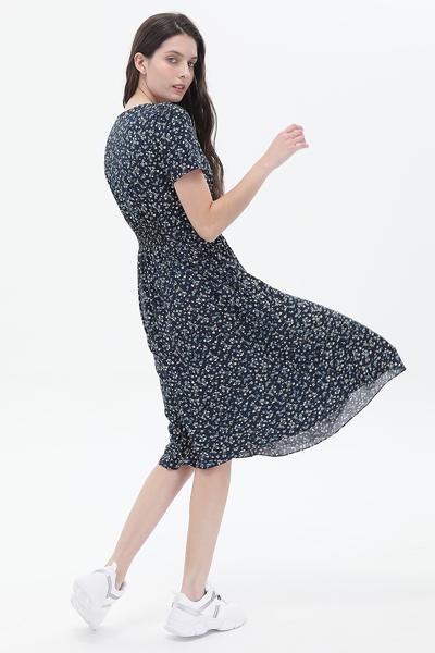 스탠다드핏 플로럴 하프 드레스