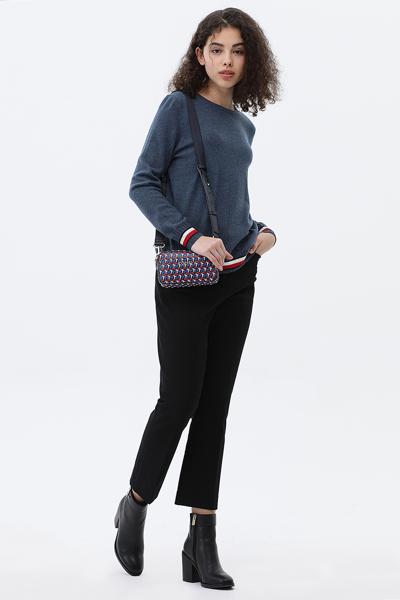 레귤러핏 아이코닉 스웨터