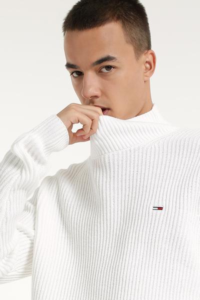 플래그 로고 하이넥 스웨터