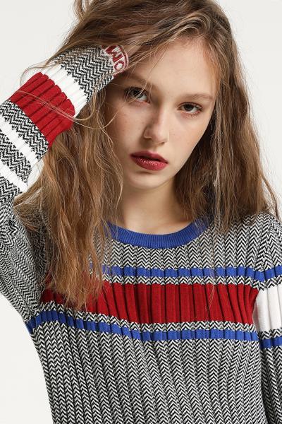 슬림핏 아이코닉 스웨터 원피스