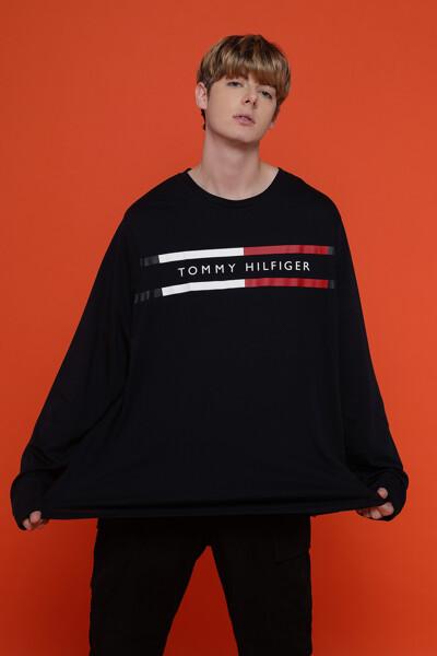 코튼 크레스트 스트라이프 라운드넥 티셔츠