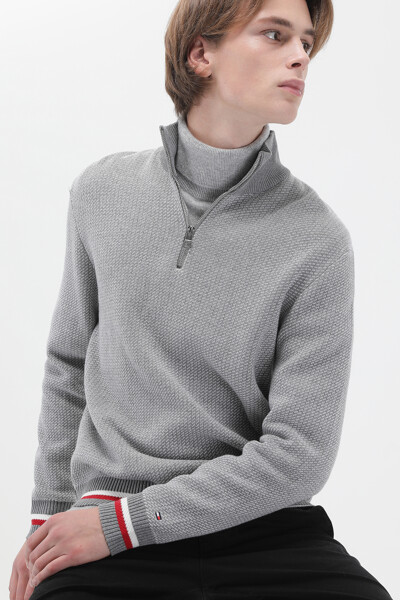 아이코닉 목넥 스웨터