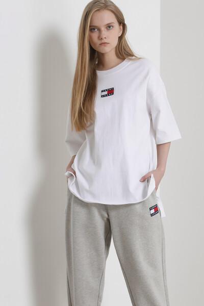 코튼 오버사이즈 뱃지 슬릿 티셔츠