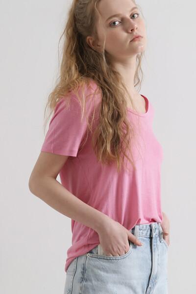 린넨혼방 레귤러핏 스쿠프넥 티셔츠