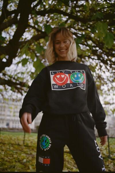 트윈 스마일 플래그 스웨트셔츠