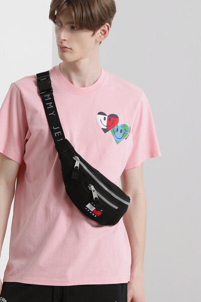 하트 스마일 크루넥 티셔츠