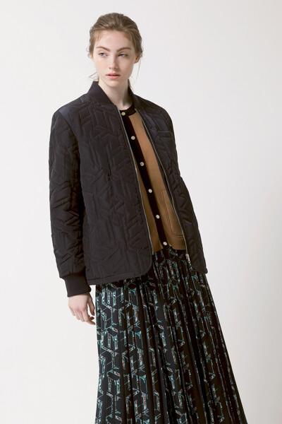 큐브 퀼팅 봄버 자켓