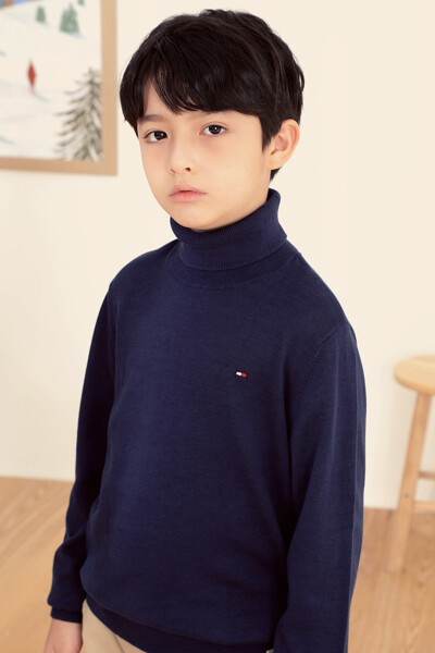 웜 터틀넥 스웨터