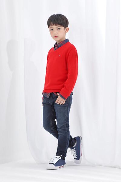 에센셜 브이넥 스웨터