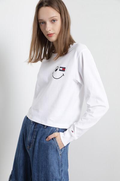스마일리 뱃지 롱 슬리브 티셔츠