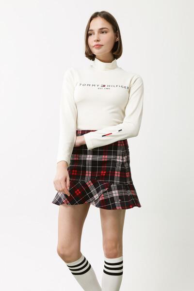 하이넥 롱 슬리브드 티셔츠