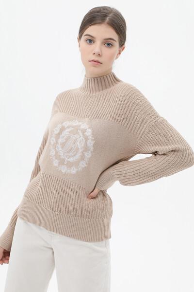 울혼방 플라워 목넥 스웨터