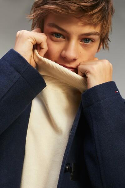 에션셜 터틀넥 스웨터