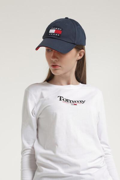에센셜 로고 롱슬리브 티셔츠