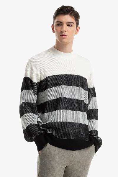 [남성] 울혼방 스트라이프 크루넥 스웨터